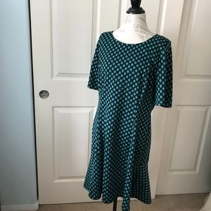Nina Leonard green and black short sleeve dress